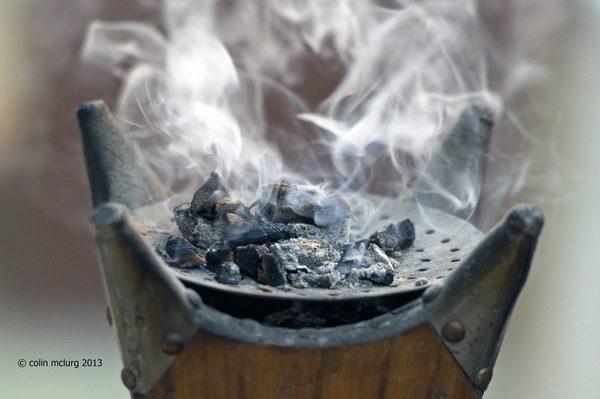 فوائد اللبان لصنع البخور والعطورات